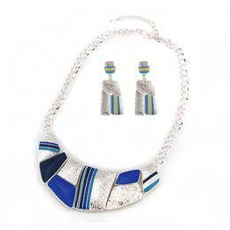 Bib Jogo de colar e brinco azul prateado esmaltado
