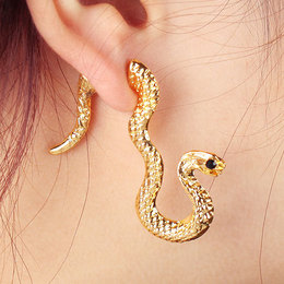Brinco estilo gótico dourado, serpente