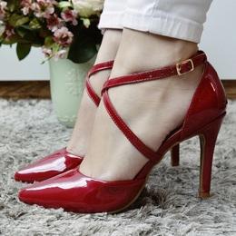 3da9638415 PRI GONÇALVES - Chanel Cruzado Verniz Vermelho