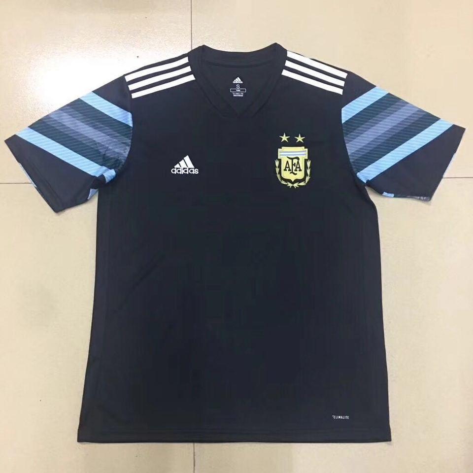 a67d8e95d3 Camisa Argentina Adidas Azul Marinho Treino 17 18 - MWgrifes - Aqui ...