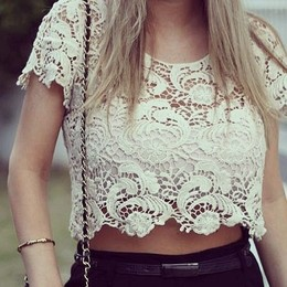 Cropped Crochê Top