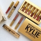 Kit brilho labial - Kylie Jenner (BIRTHDAY EDITION)