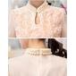 Blusa floral gola de pérolas