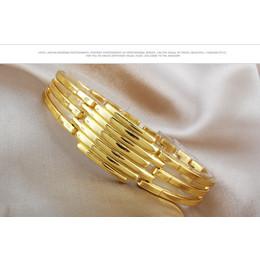 Relógio de Pulso dourado redondo com bracelete  Modern Style