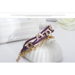 Bracelete ou Pulseira de Couro e Metal Dourado cor Roxo bijuteria