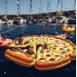 Bóia de Pizza Gigante
