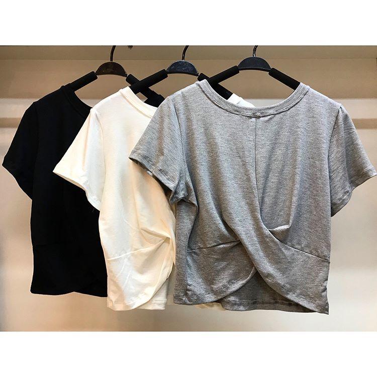 T-shirt cropped cruzada