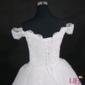 Vestido Princesa Fernanda com armação e véu