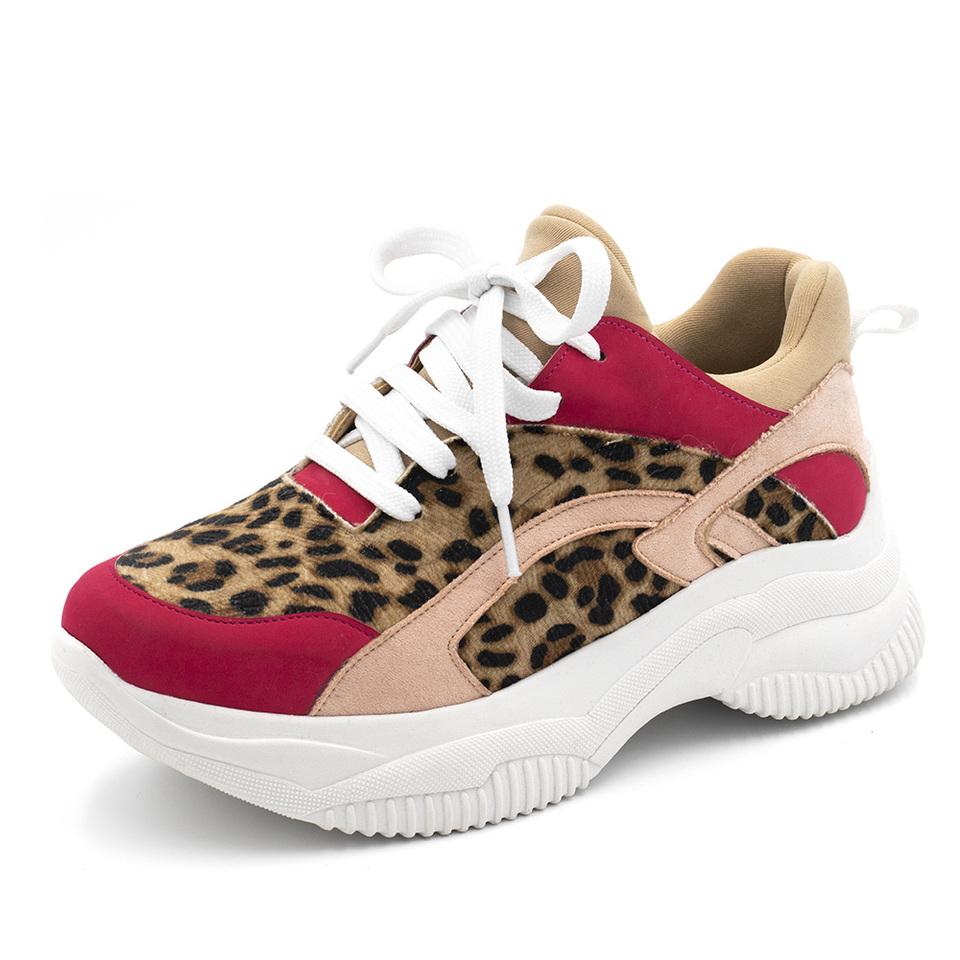 513798f7eb9 Tênis Sneakers Recortes em Rosa Pink com Detalhes em Pelo de Onça e Nude
