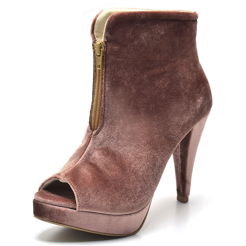 d09fc3db9e Ankle Boot Bota Cano Curto Nude Salto Agulha Veludo - GiselaCosta