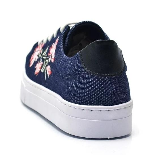 1a84451c3f Tênis casual feminino jeans bordado flor Tênis casual feminino jeans  bordado flor