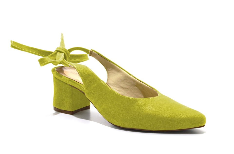 cee5a3eb06 Scarpins Chanel Sapato Feminino Amarelo Salto Baixo Amarrar ...