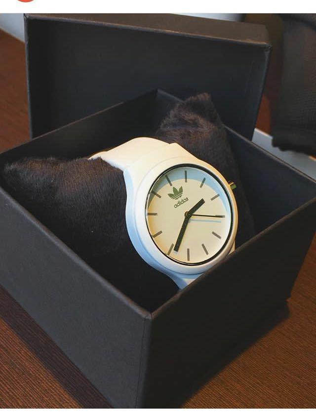 bed70c62b76 Relógio Adidas Branco com preto - Vip Times