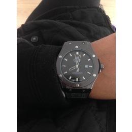 9cf9974ff09 Relógio Hublot Geneve preto com marca data