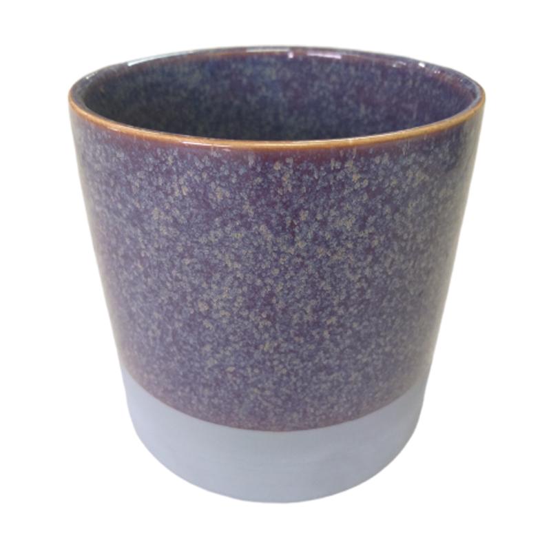 Cachepot de cerâmica roxo com acabamento em cimento na base