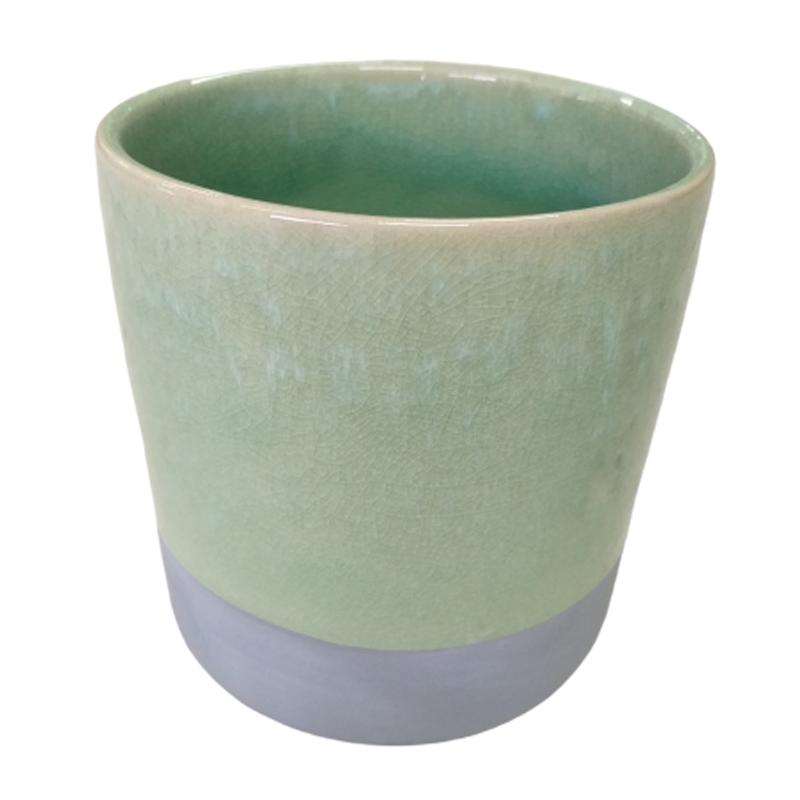 Cachepot de cerâmica verde com acabamento em cimento na base
