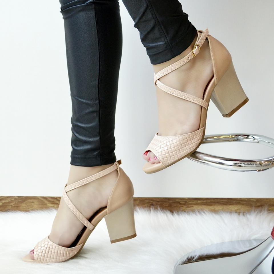 Sandália Salto Grosso Nude