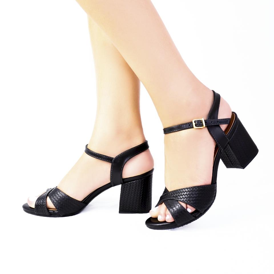 Sandalia Salto Grosso Preto