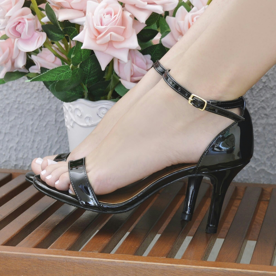 Sandalia Basica Salto Medio Verniz Preto