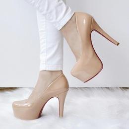Sapato Mega Pata em Verniz Nude