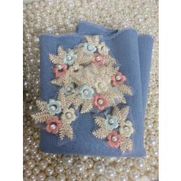 Kit Flores Bordadas e Linho Azul