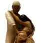Escultura DISPUTA PELA VIDA Fabricada em Estuque