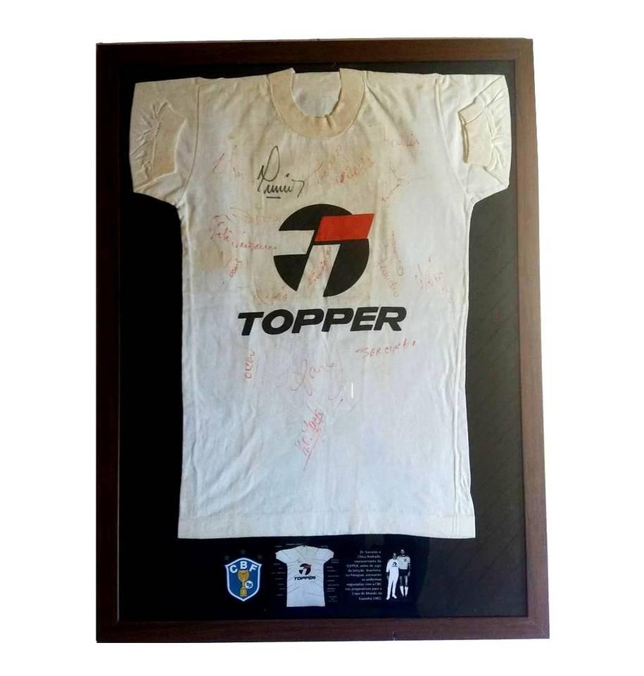 Camisa TOPPER Autografada Pela SELEÇÃO BRASILEIRA de 1982 ... dcf2394752a21