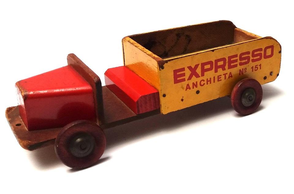 facfd9dc837d7 Caminhão de Madeira EXPRESSO Anchieta n°151 Manufatura de Brinquedos  CASTELO Ano 1953