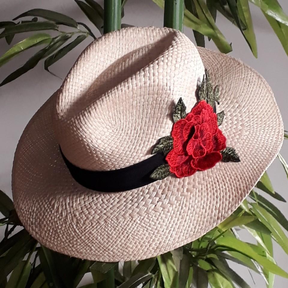 Chapéu Panamá Natural com flor - Cappadocia Acessórios daf5ca09582