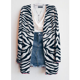 Cardigan zebra