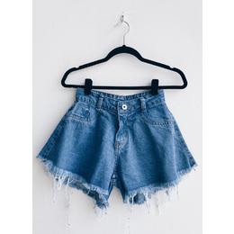 Shorts Louise godê clara
