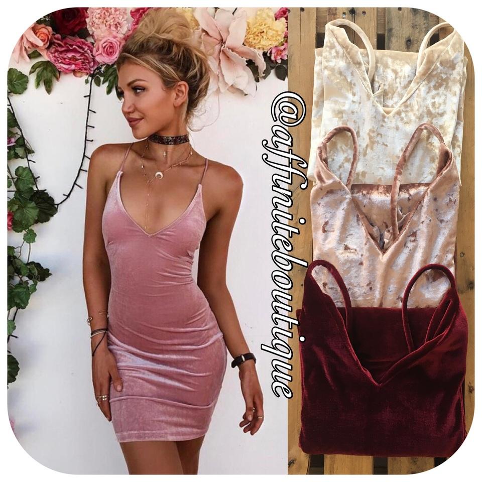 a3f0c0721 Vestido Midi Veludo - Várias Cores - Affinité Boutique