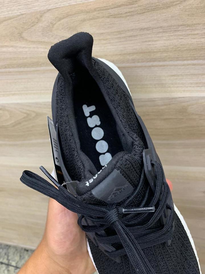 fe69bb5c62 Tenis Adidas Ultraboost 4.0 Masculino Preto e Branco - Mozarts Fitch ...
