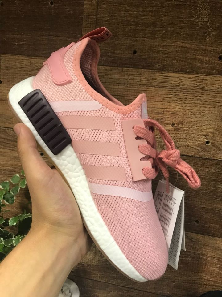 Tenis Adidas NMD Rosa Claro Feminino - Mozarts Fitch Outlet 786bb53a83ebe