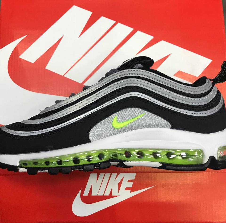 d1b313a3926 Nike Air Max 97 Preto com Verde - Mozarts Fitch Outlet