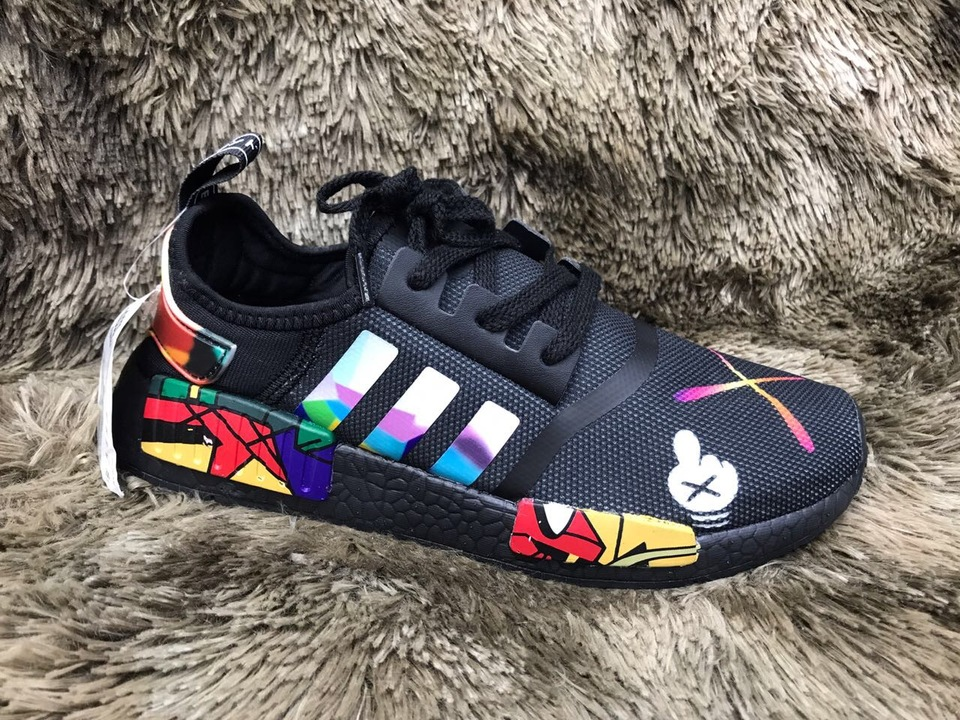 3564028b09 Tenis Adidas NMD Mickey - Mozarts Fitch Outlet
