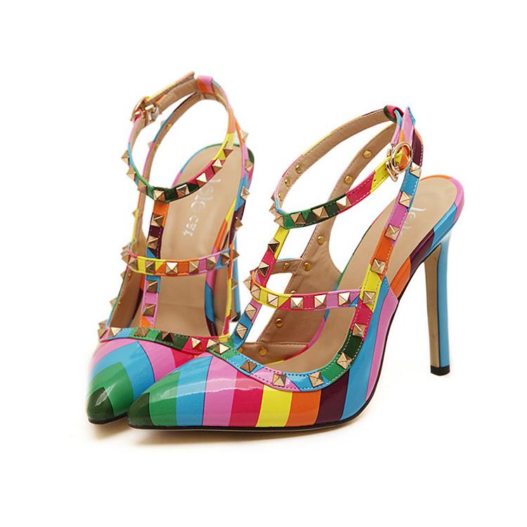 ca54503de2 Scarpin Multi-Colorido Valentino Inspired - EllaGlamour