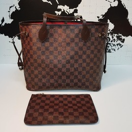 e92361693 Bolsa Louis Vuitton Neverfull + Carteira