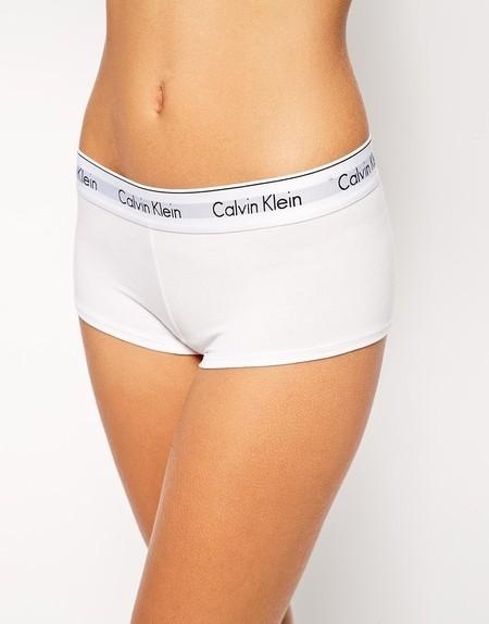 b5b012cd3b677 ... Kit Top + Calcinha Boxer Calvin Klein (várias cores) ...