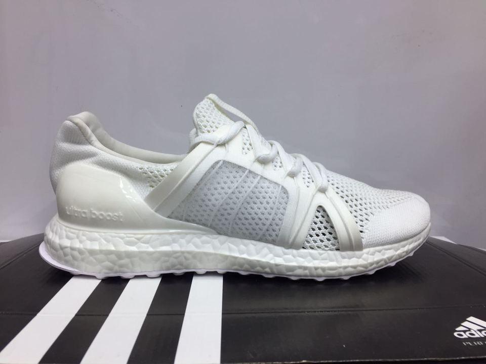 Tênis Adidas Ultra Boost Branco - MWgrifes - Aqui é Top! a3322927295e7