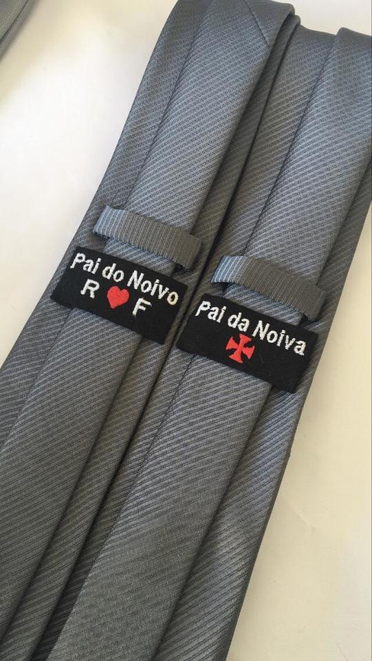 Gravata Italiana c/ etiqueta personalizada (escolha a cor antes e a textura)