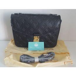 b9aa23317 Bolsa Louis Vuitton Pochette Metis