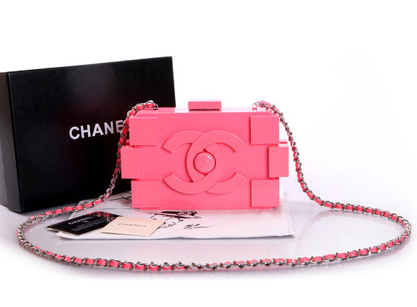 c687fcd5119 Clutch Chanel Lego Pink - Maria Valentina Store