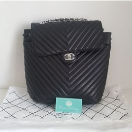 b4374c3b4 Mochila Chanel Calfskin Chevron