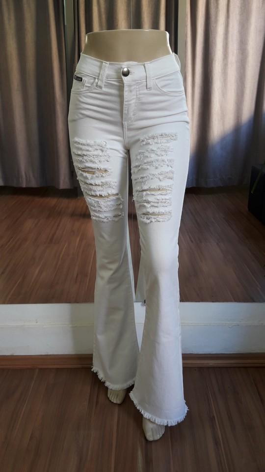 fe541e348 Calça Flare Destroyed - Off White - Ref BDAC6 - Faro Jeans