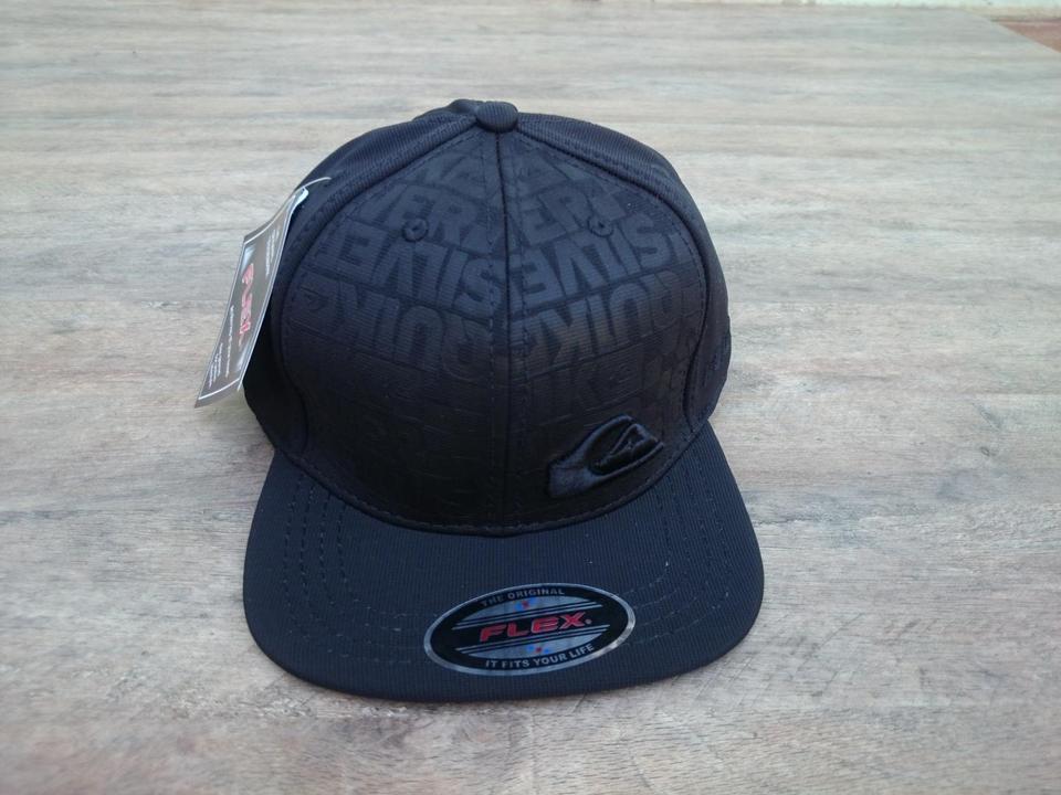 Boné Quiksilver Black Cap Aba Reta Snapback Boné Quiksilver Black Cap Aba  Reta Snapback 72e7ced43b0
