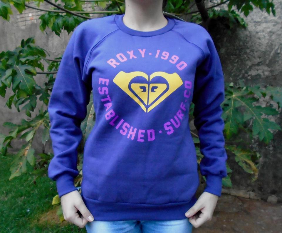 49aba691404e4 Moletom Feminino Roxy Quiksilver 1990 Com Bolso Lilás Moletom Feminino Roxy  Quiksilver 1990 Com Bolso Lilás