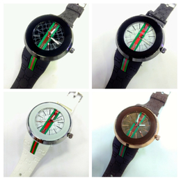 c01bc2b83a9 Relógio Gucci redondo ponteiro