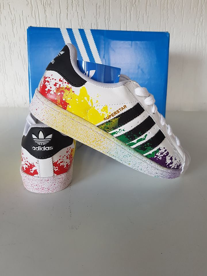 4ee2fbc0577 Tênis Unissex Adidas Pride Pack - Linha 7a Premium - Ayuh Store