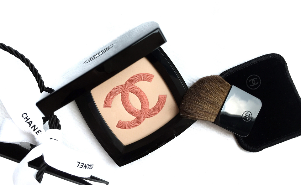Chanel Infiniment Highlighter Powder